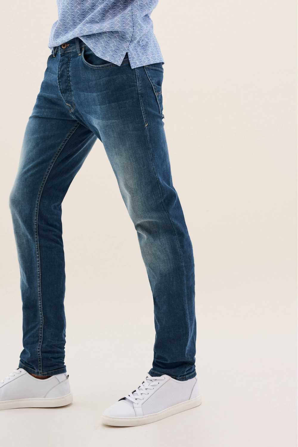 Lima tapered greencast jeans with light wear