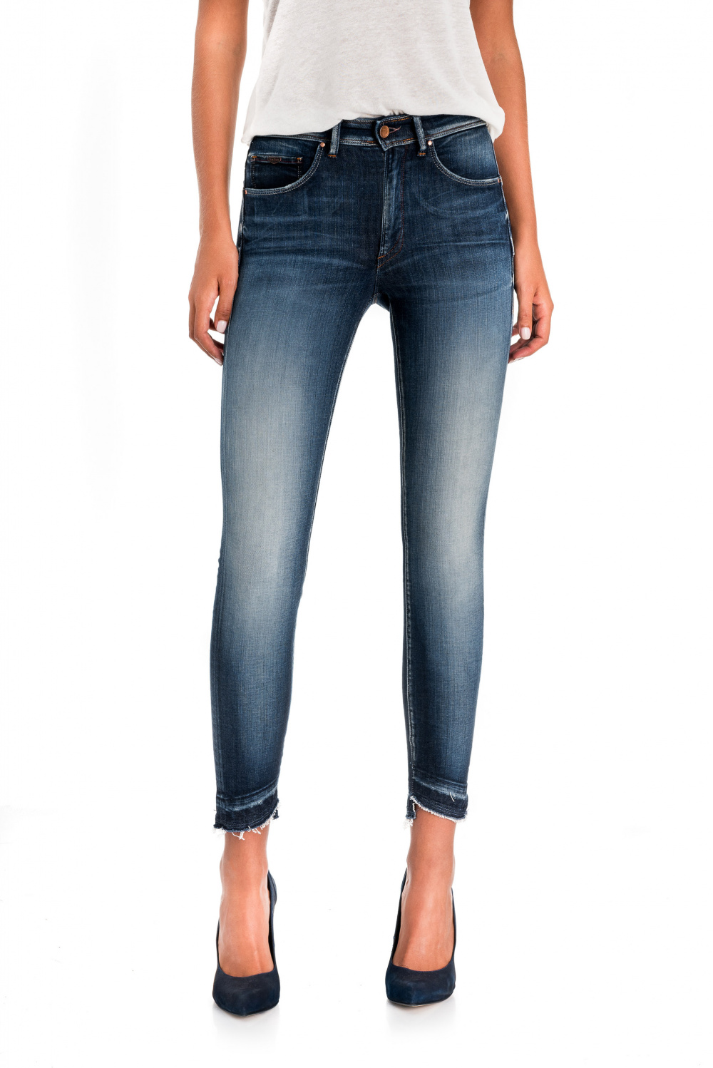 Secret glamour push in capri premium wash jeans