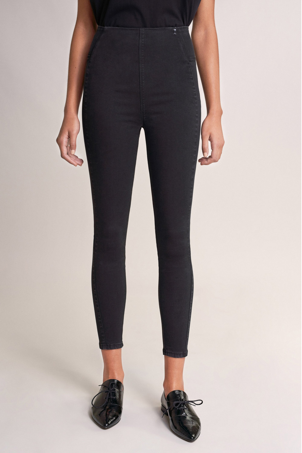 High-waisted black denim Jeggings